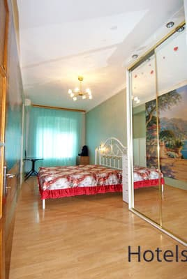 Apartment 3-komnatnie na ul. Kievskaya, № 331, Yalta: photo, prices, reviews
