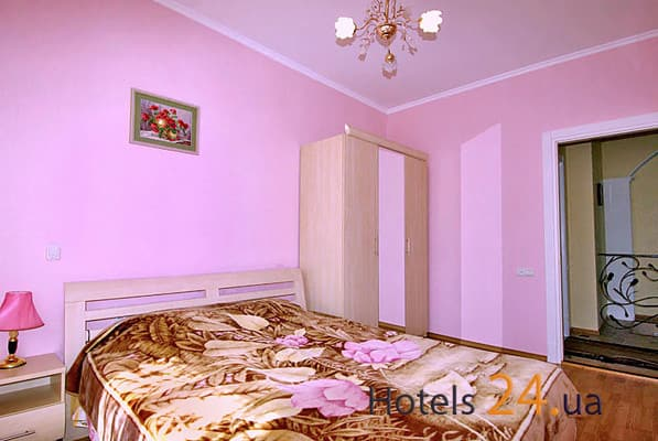 Guest Court na ul. Chehova, № 359 (pereulok Chernomorskiy), Yalta: photo, prices, reviews
