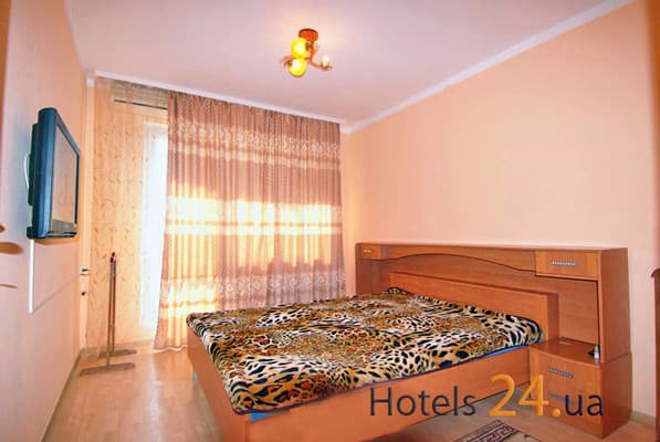 Apartment 3-komnatnie na ul. Dzerjinskogo, № 438, Yalta: photo, prices, reviews