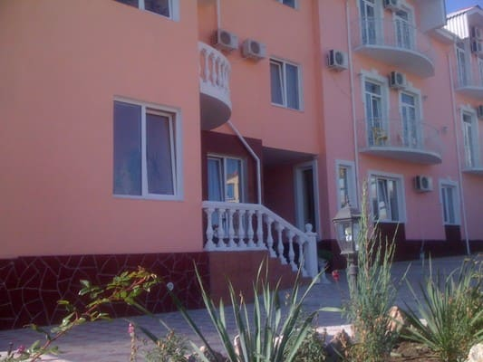 Hotel Villa Classic, Koktebel: photo, prices, reviews