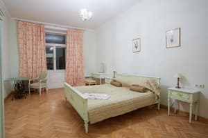 Hotels Lviv. Hotel Sleep on Teatralna Street