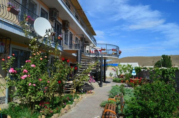 Mini hotel SVS, Sudak: photo, prices, reviews