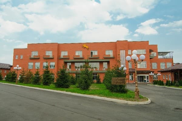 Hotel and restaurant complex Parade Allure, Zhashkiv: photo, prices, reviews