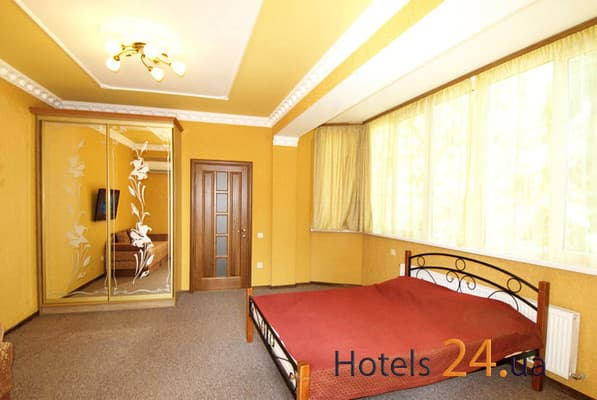 Guest Court na ul. Tolstogo, 8, Yalta: photo, prices, reviews