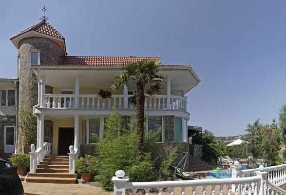 Villa Snegiri, Hurzuf: photo, prices, reviews