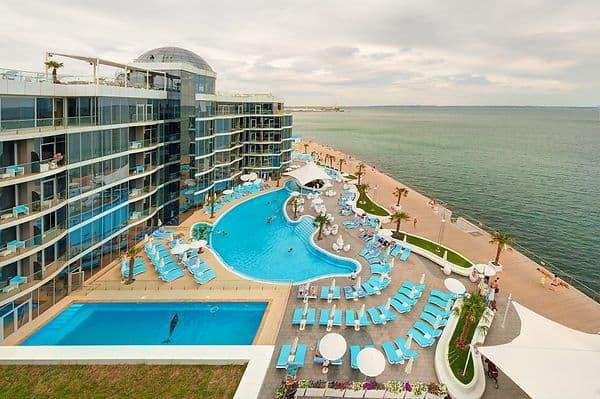 Отели Одессы на берегу моря VIP-уровня: Отель немо с дельфинами