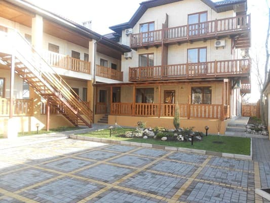 Guest Court on Pervomayskaya Str, 31,  Berdiansk: photo, prices, reviews