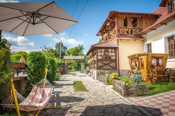 Mini hotel Bilya Richky, Kamianets-Podilskyi: photo, prices, reviews