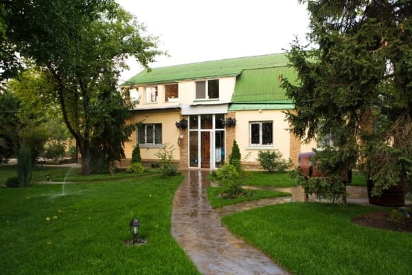 Cottage Barskaya usad'ba, Kharkiv: photo, prices, reviews