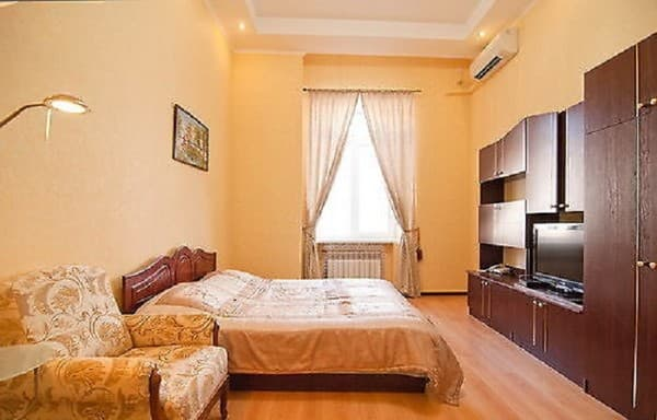 Apartment Along Mihaylovskiy Lane, Kyiv: photo, prices, reviews