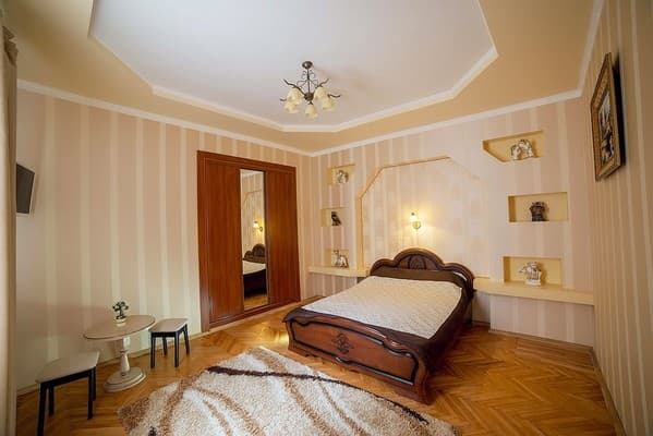 Apartment Renting Lviv, Lviv: photo, prices, reviews