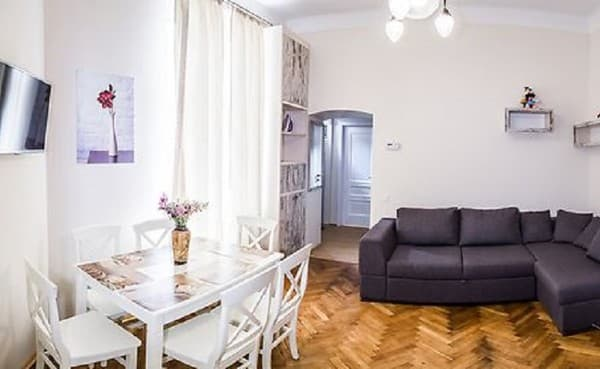 Apartment Apartment Apartment on Pekarska Street, 44, Lviv: photo, prices, reviews