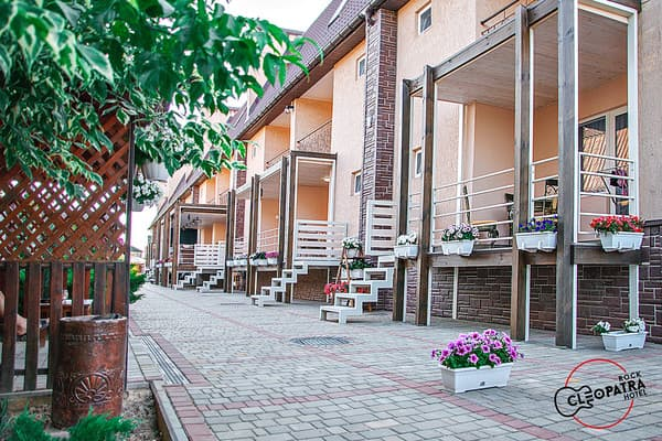 Hotel and restaurant complex Kleopatra, Kyrylivka: photo, prices, reviews