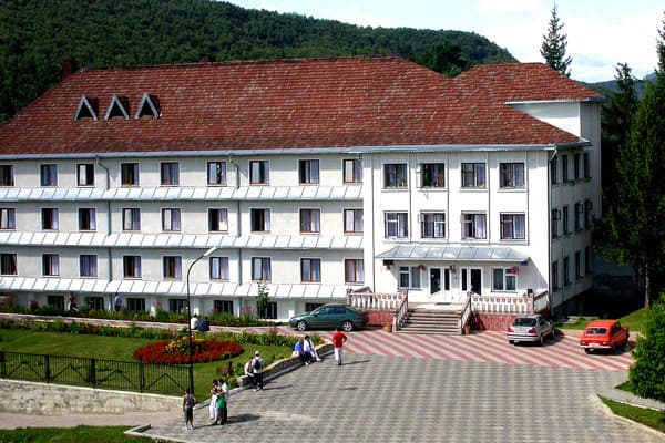 Sanatorium Karpatski zori,  Kosiv: photo, prices, reviews
