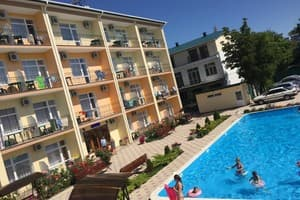 Hotels Zalizny Port. Hotel Oksamit