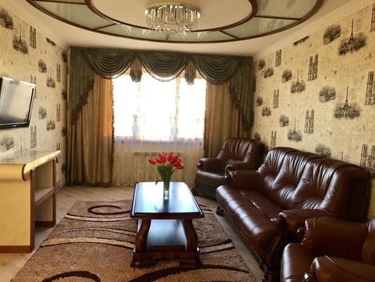 Apartment Lyuks apartamenti v centre goroda,  Berdiansk: photo, prices, reviews