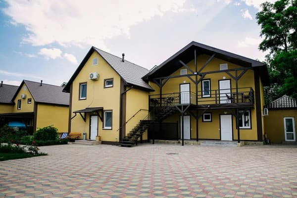 Villa Azov,  Berdiansk: photo, prices, reviews