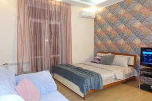 Hotels Kyiv. Hotel Apartment Three-Room Apartment on Baseina Street, 17 (Arena City)