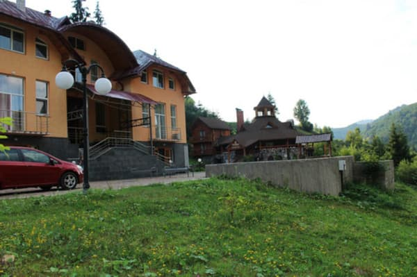 Hotel Petrivska Sloboda, Mizhhiria: photo, prices, reviews
