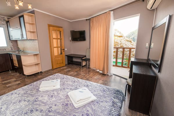 Hotel Sal'vador, Alushta: photo, prices, reviews
