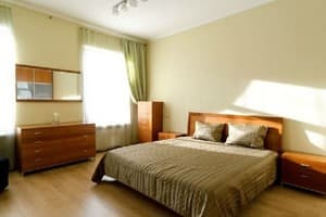 Hotels Kyiv. Hotel Apartment Two-Room Apartment on Hrinchenka Street, 4
