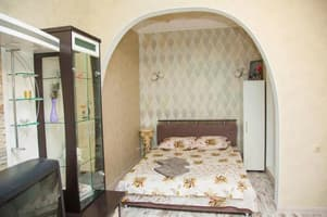 Hotels  Zaporizhia. Hotel 1 room Apartment on 12 of April Street 15