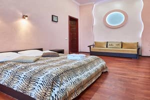Hotels Kyiv. Hotel Apartment One-room apartment on Lysenka Str, 1