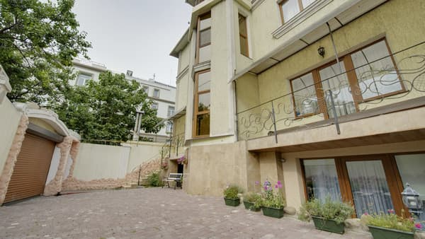 Guest Court Zhemchuzhina, Odesa: photo, prices, reviews