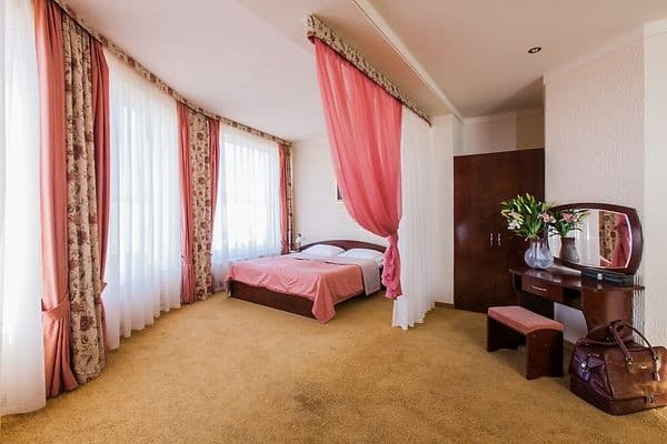 Hotel Ungvarskiy,  Uzhhorod: photo, prices, reviews