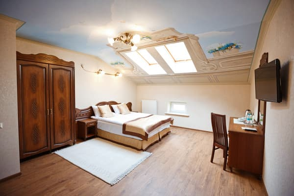 Guest Court Inn Lviv, Lviv: photo, prices, reviews