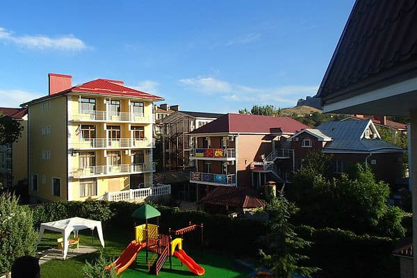 Mini hotel Mejdunarodniy, Koktebel: photo, prices, reviews