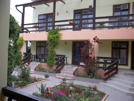 Mini hotel Zeleniy dvorik, Zatoka: photo, prices, reviews