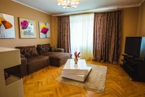 Hotels Lviv. Hotel Quality apartment in a green area