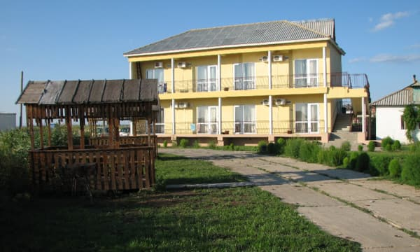 Boarding house Zhavoronok, Zatoka: photo, prices, reviews
