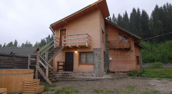 Cottage Sosnovyi Dvir, Bukovel: photo, prices, reviews