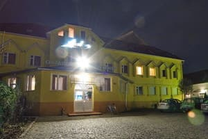 Hotels Mukachevo. Hotel Apollon