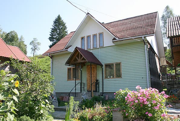 Cottage Opushka Lesa, Zahar Berkut: photo, prices, reviews
