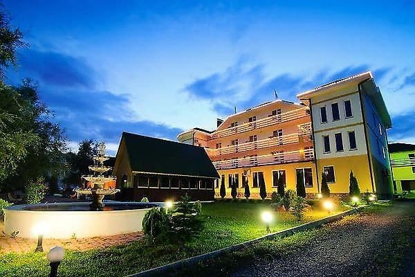 Hotel and restaurant complex Continent, Polyana: photo, prices, reviews