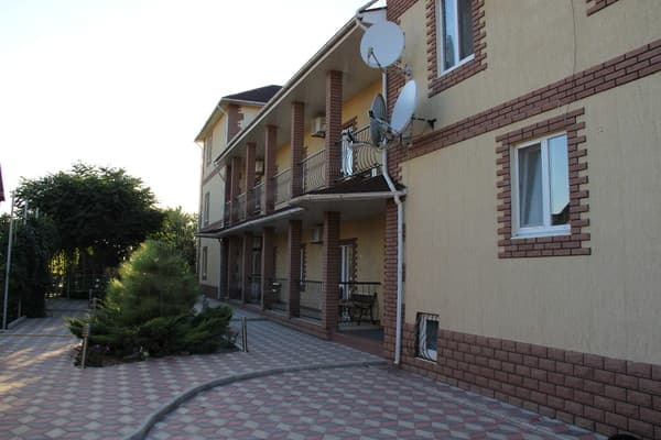 Boarding house Solnechniy veter, Henicheska Hirka: photo, prices, reviews