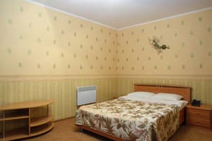 Hotels Kyiv. Hotel Apartment Blvd. Lesya Ukrainka, 17