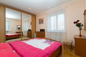 Hotels Kyiv. Hotel Apartment Two-Room Apartment on Leontovycha Street, 6A