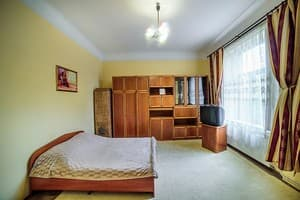 Hotels Lviv. Hotel Apartment Apartment on Skelna Street, 1