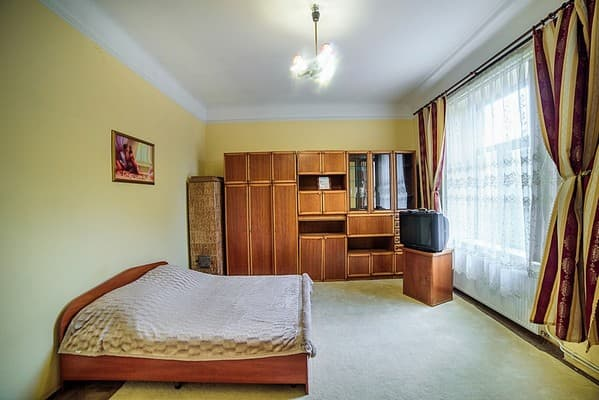 Apartment Apartment Apartment on Skelna Street, 1, Lviv: photo, prices, reviews