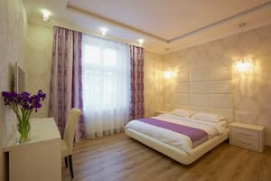 Hotels . Hotel Apartment with one bedroom on Krakivska Str, 2.