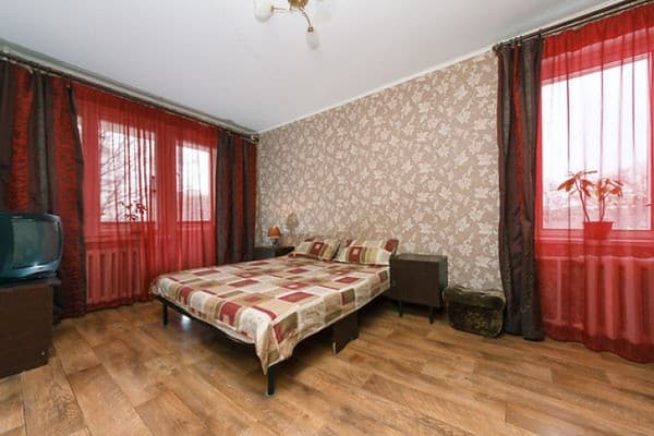 Apartment Apartment on Yakuba Kolasa Street, 9, Kyiv: photo, prices, reviews