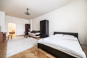 Отели . Гостиница Romantic Apartament in Frescoes House.