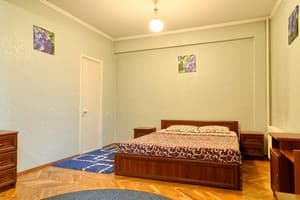 Hotels Kyiv. Hotel Apartment Economy on Lesi Ukrainky Boulevard, 36 B