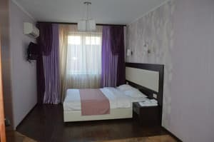 Hotels . Hotel Apartment on Malanyuka Str, 96(1).