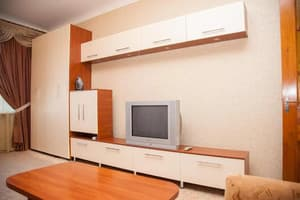 Hotels . Hotel 2 Rooms Apartment 80 Nezalezhnoi Ukrainy Str. .