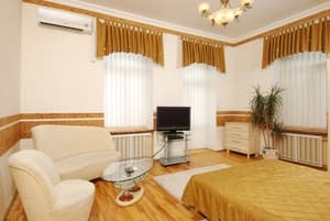 Hotels Kyiv. Hotel Apartment on Saksahanskoho Street, 131 B (3 floor)